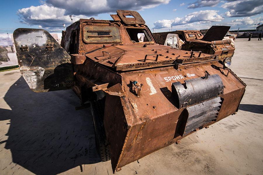 Трофеи из «песочницы»Репортаж c выставки вооружений сирийских боевиков, изображение №4