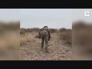 Дикий кабан напал на человека (жесть)