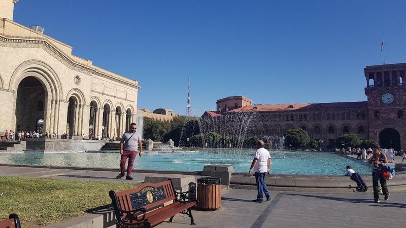 Прекрасный Ереван / Плошадь Республики
