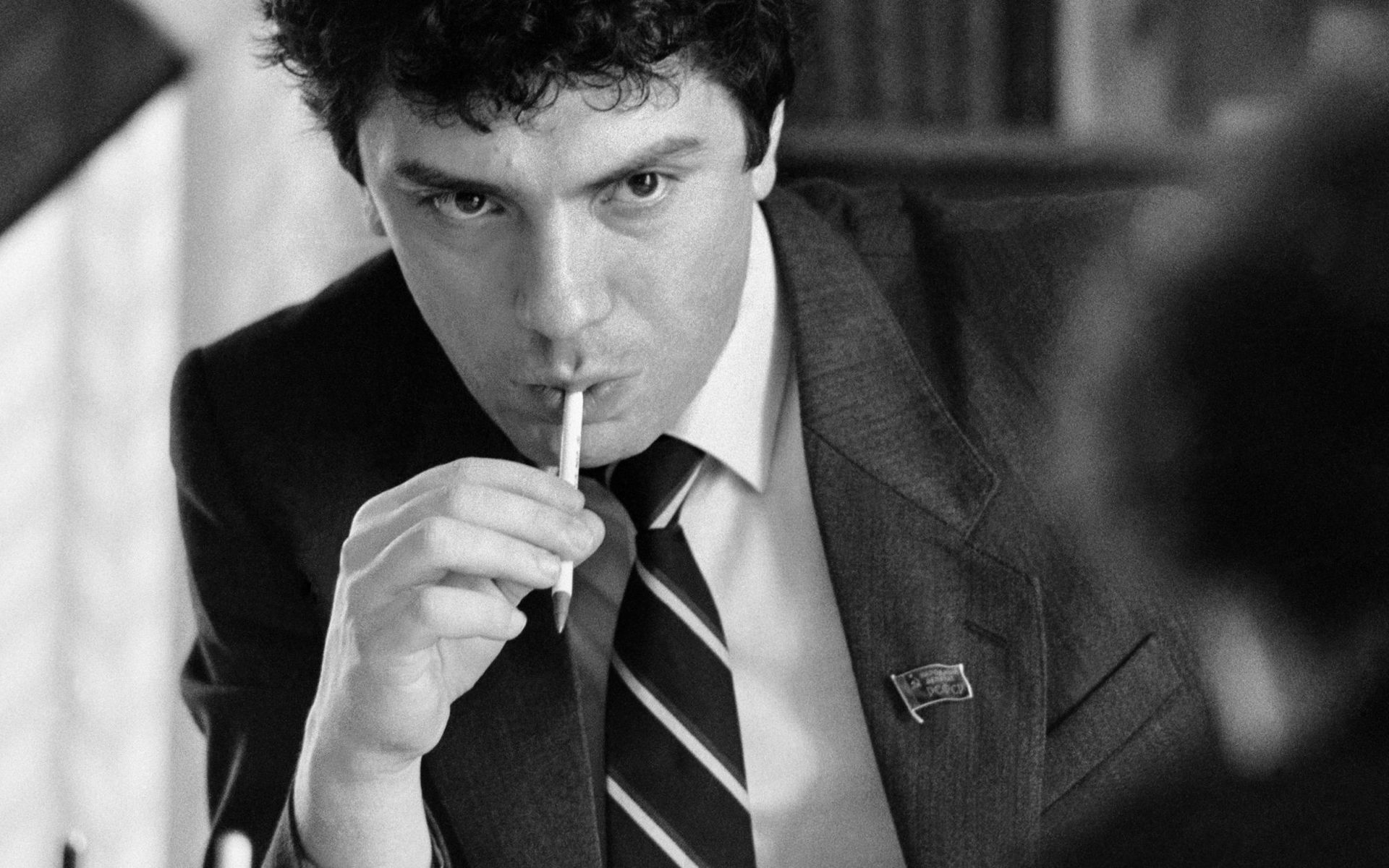 """""""Политика - дело грязное. Политики могут быть разными"""". Интервью Бориса Немцова 1992 года"""