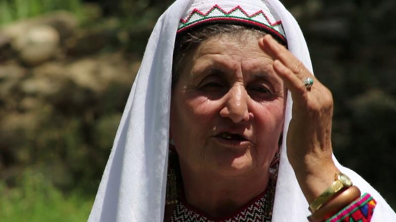 Хиквор бət-пар – Традиционные наряды ваханцев (на ваханском) – Traditional Wakhi Clothing (wakhi)
