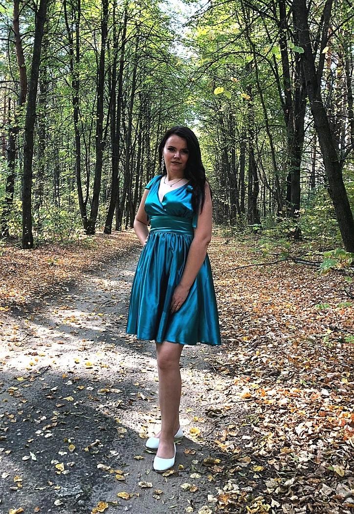 На дворе золотая осень и солнышко дарит последние тёплые лучики, а я делюсь с вами фотографиями очаровательной Алёны)