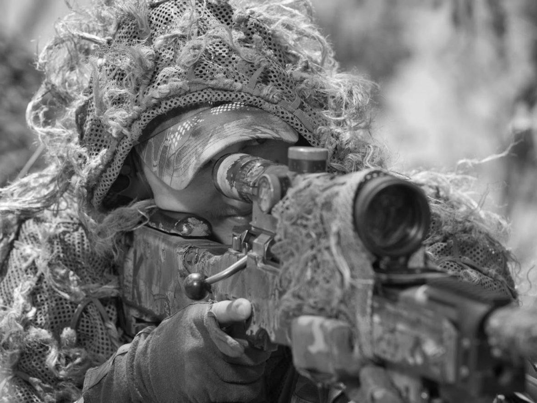 Украинский снайпер начал стрельбу по бригаде рабочих на КПВВ
