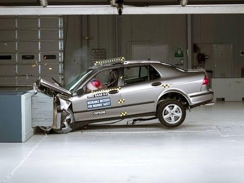 2002 Saab 9 5 moderate overlap IIHS crash test