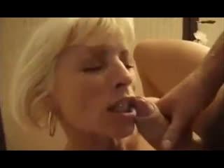 Порно мать пришла ночью к сыну