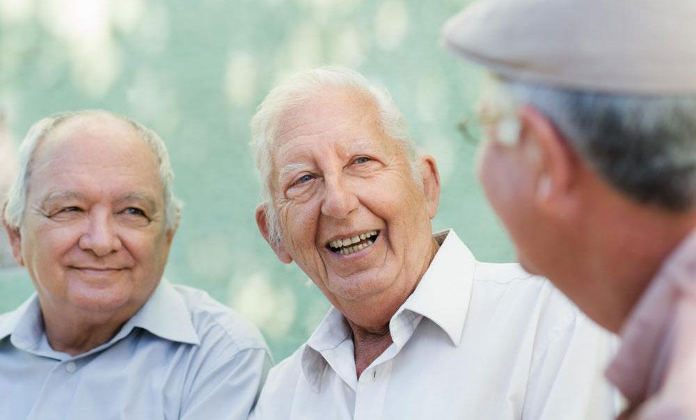 Поскольку люди живут дольше, уход за пожилыми людьми важнее, чем когда-либо