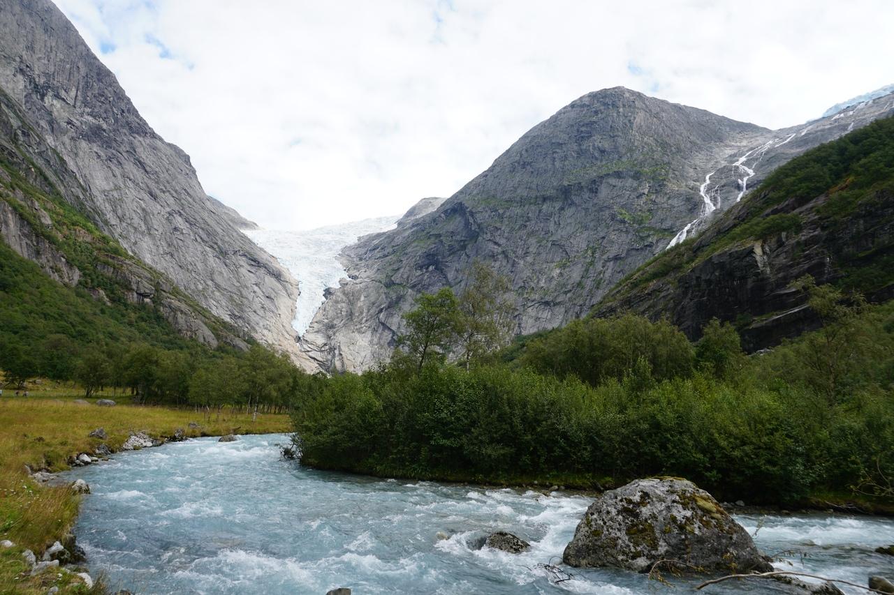Юстедалсбреэн в Норвегии - самый большой ледник Европы
