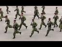 Солдаты танцуют