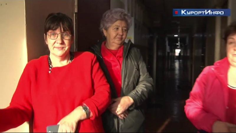 Жильцы дома 8 по улице Борисова в Сестрорецке жалуются на плохую работу управляющей компани