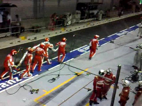 Massa's pit accident at Singapore F1 2008 (Spectator cam view)