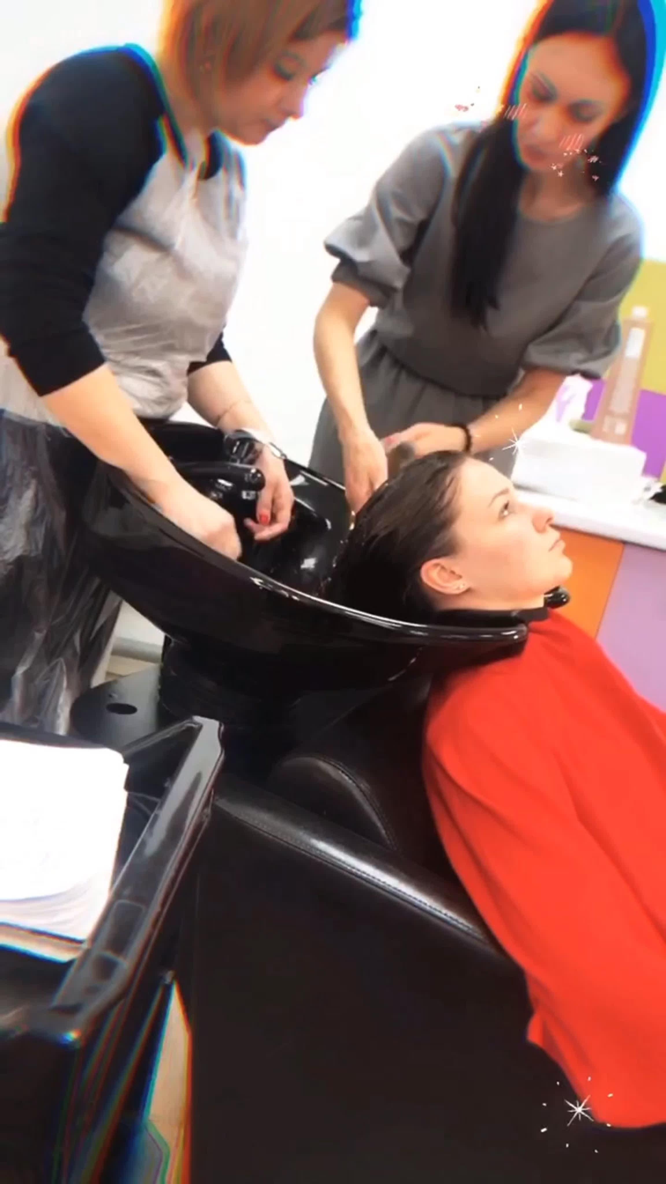 Обучение массажу привело к тройничку