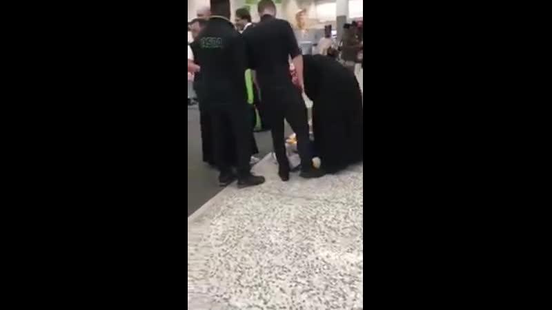 Burka wearing Muslim lady caught shoplifting in Asda UK