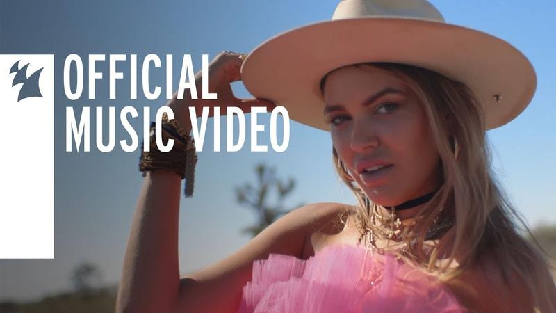 Bella Hunter Deja Vu Official Music Video
