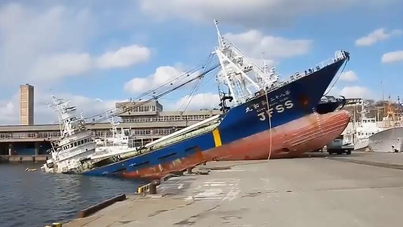 DEV GEMİLERİN KARAYA VURMA ANLARI (Gemi Kazaları)