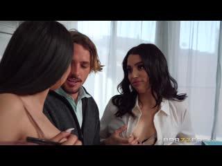 [Brazzers] Vanessa Sky, Serena Santos - The Threesome Tutorial