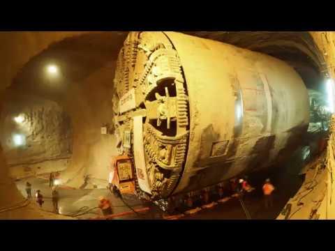 Timelapse unter Stuttgart Herrenknecht Tunnelbohrmaschine SUSE untertage im Fildertunnel gewendet