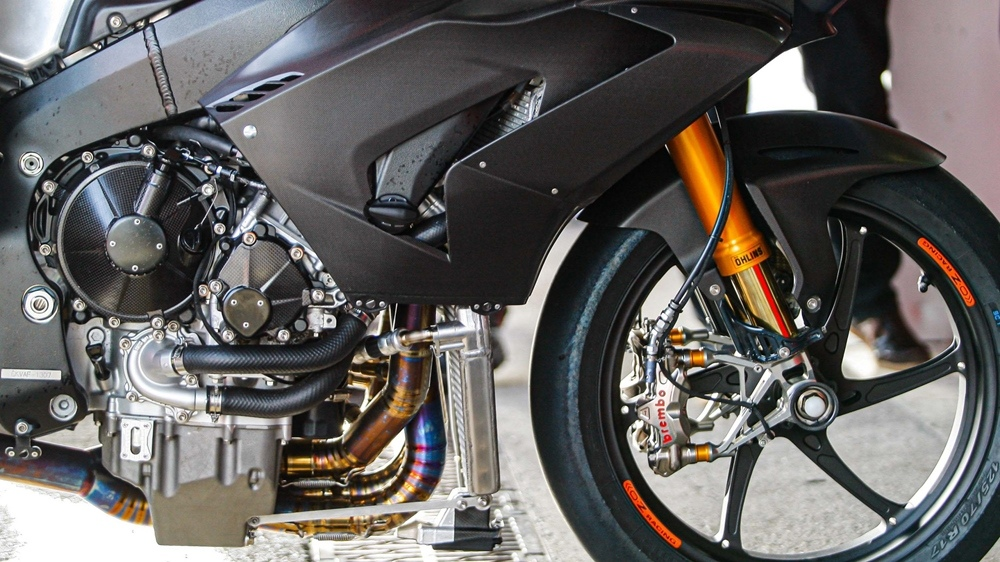 Фото супербайка Honda CBR1000RR-R WSBK 2020 без обтекателя