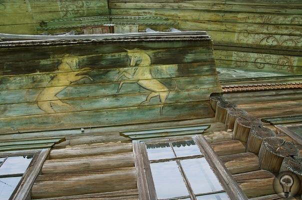 Деревянное зодчество По берегам реки Вага (крупного притока Северной Двины) была довольно распространена домовая роспись. И если эталоном местных фасадных росписей, стали работы маляров