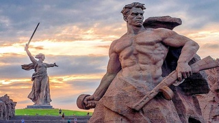 ЗАЧЕМ В СССР ПОСТРОИЛИ САМУЮ ВЫСОКУЮ СТАТУЮ В МИРЕ -  РОДИНА МАТЬ ЗОВЕТ