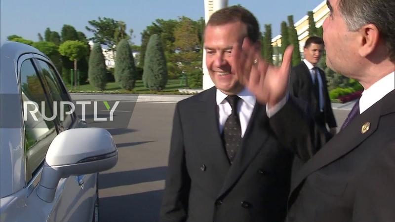 Turkmenistan Medvedev meets Turkmen President Berdimuhamedow at Caspian Economic Forum
