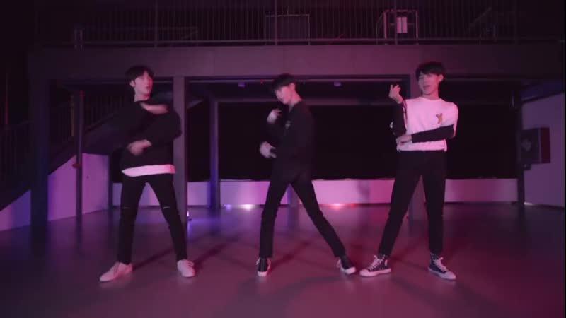 TNT ( Teens in Times ) Ma Jia Qi x Zhang Zhenyuan x Yan Haoxiang - HIP ( MAMAMOO) Cover dance )