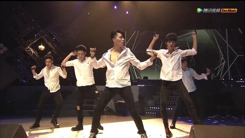X玖少年团上海演唱会 XNINE Shanghai Concert 20170402: 撕衣舞蹈秀《Get low》