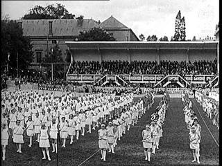 2,000 Girl Athletes (1930)