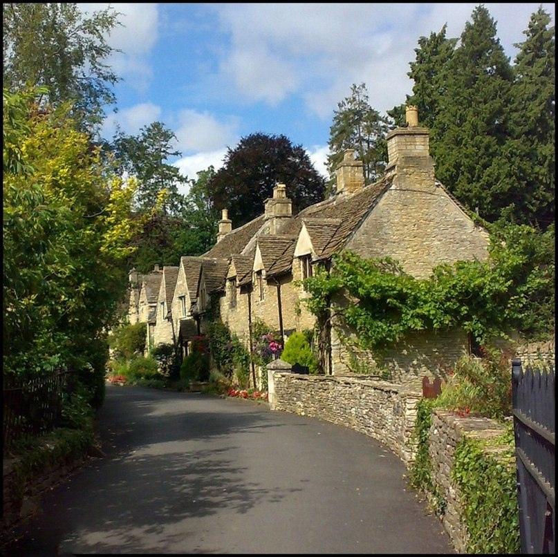 Касл Ком - самая красивая деревня в Англии!, изображение №5