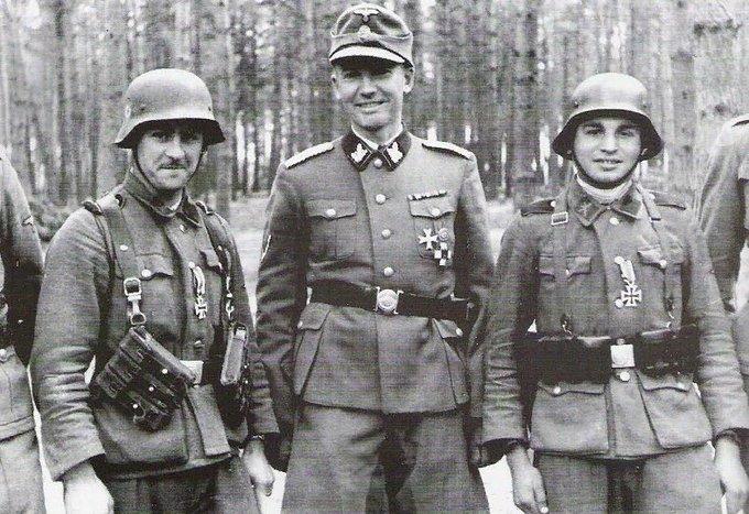Германский нацист и его верные помощники - украинские добровольцы СС