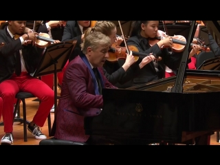 Michael Tilson Thomas conducts Hearne, Gershwin, and Sibelius – With Jean-Yves Thibaudet - 1