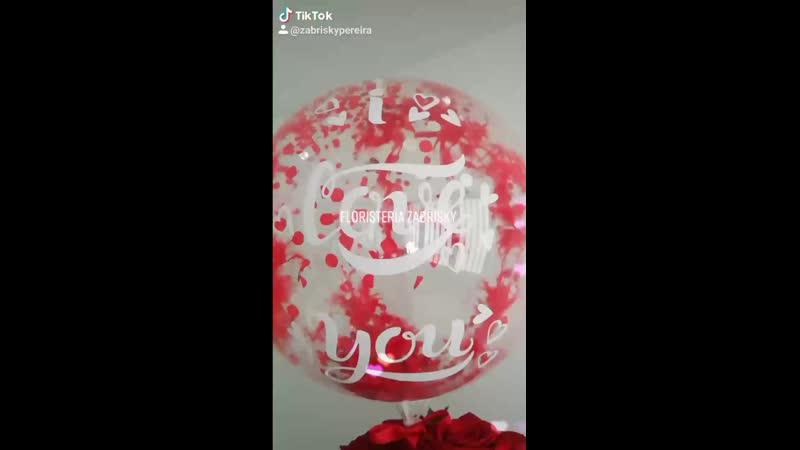 Caja de lujo rosas rojas y blancas Floristería en
