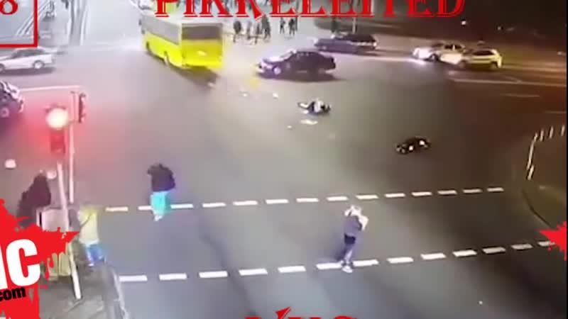 Киевский автобус давит людей vrpz