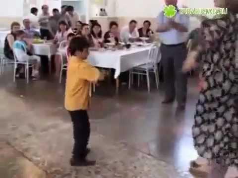 лезгинка! мальчик танцует