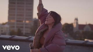 Sylvan Esso - Rooftop Dancing (Live)