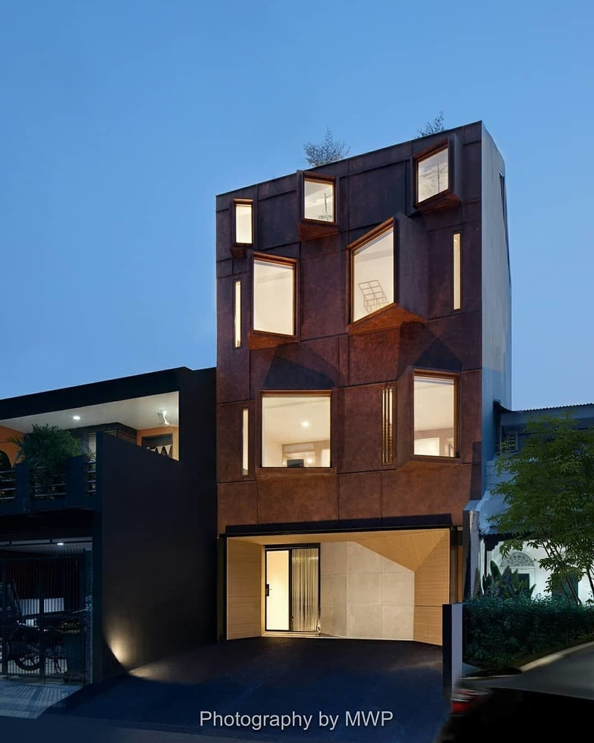 Sebuah Hotel  6x18m, designed by nimara_architects