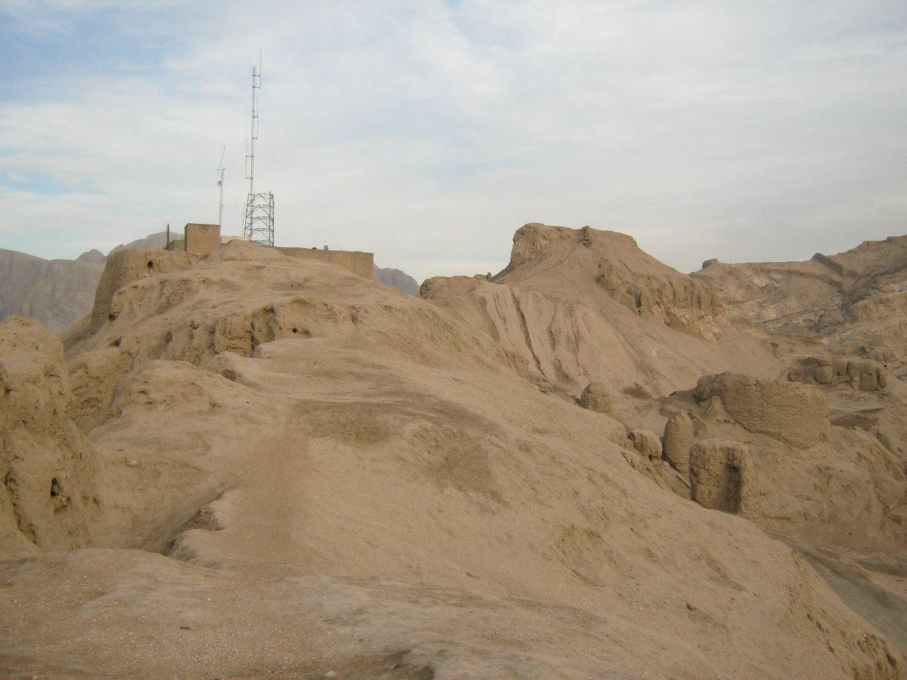Остатки крепости в Керман
