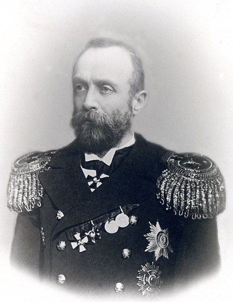 Вице-адмирал Эдуард Николаевич Щенснович – создатель и первый начальник Учебного отряда подводного плавания
