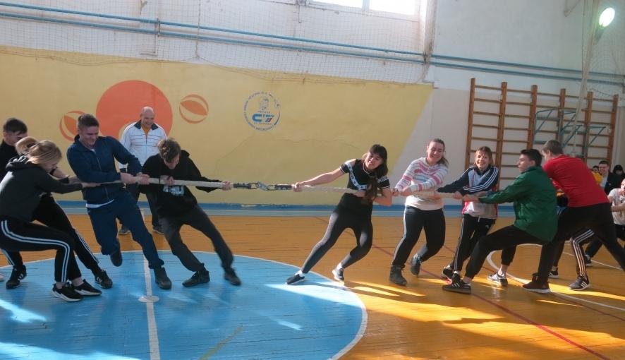 В Петровском политехе провели спортивный праздник