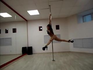 Pole Dance - танец на пилоне стрип пластика