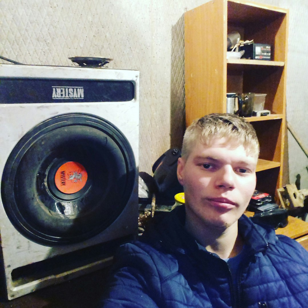 Владислав, 23, Tobol'sk