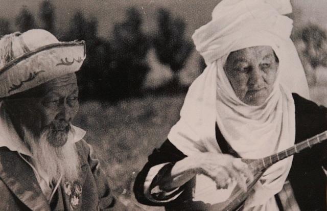ДИНА НУРПЕИСОВА — подлинная жемчужина народного искусства, изображение №1