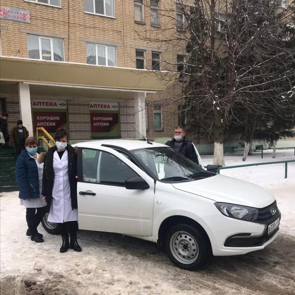 Петровские медики получили новый автомобиль