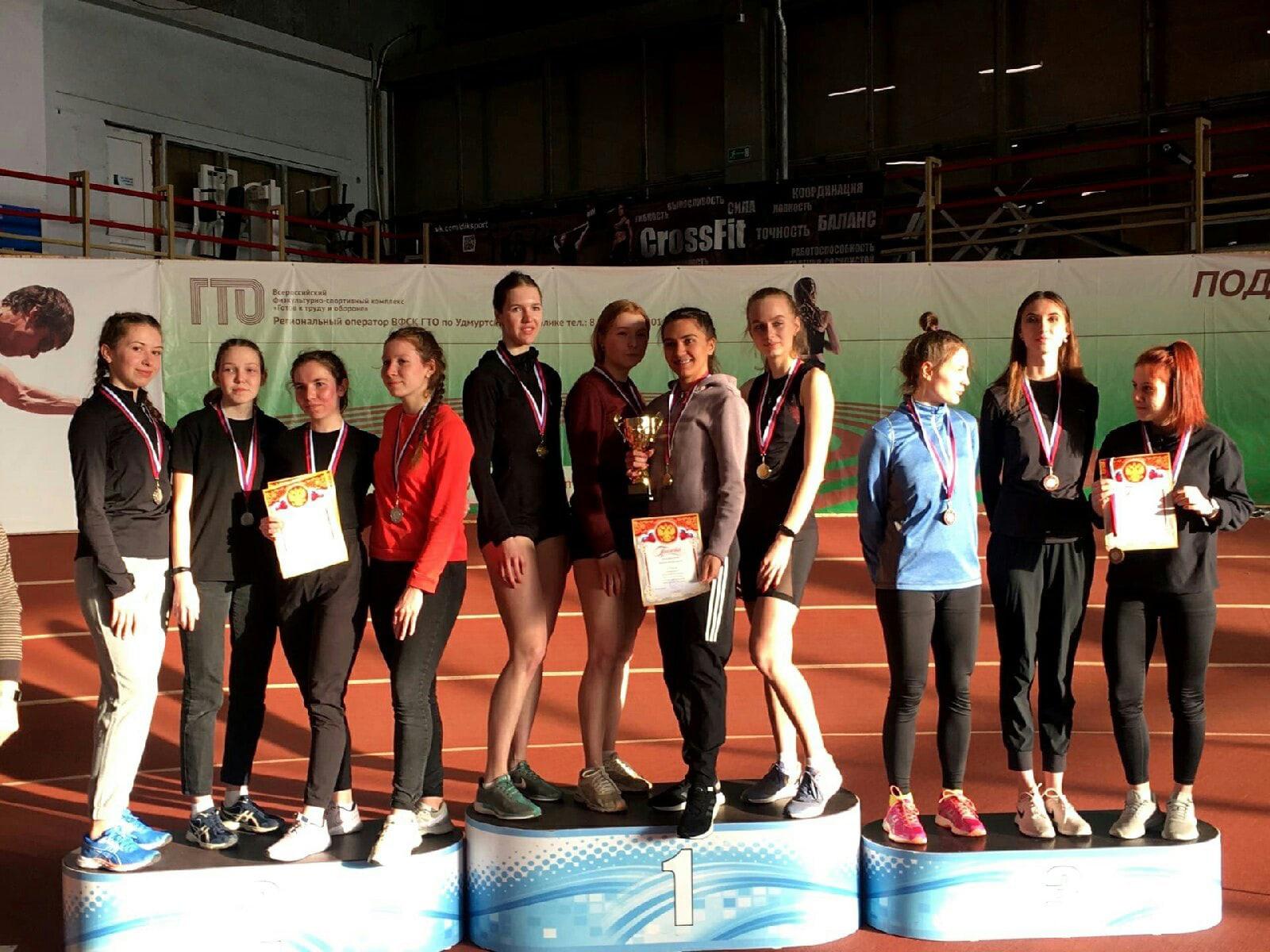 Можгинские легкоатлеты серебряные призеры на первенства Удмуртии по эстафетному бегу