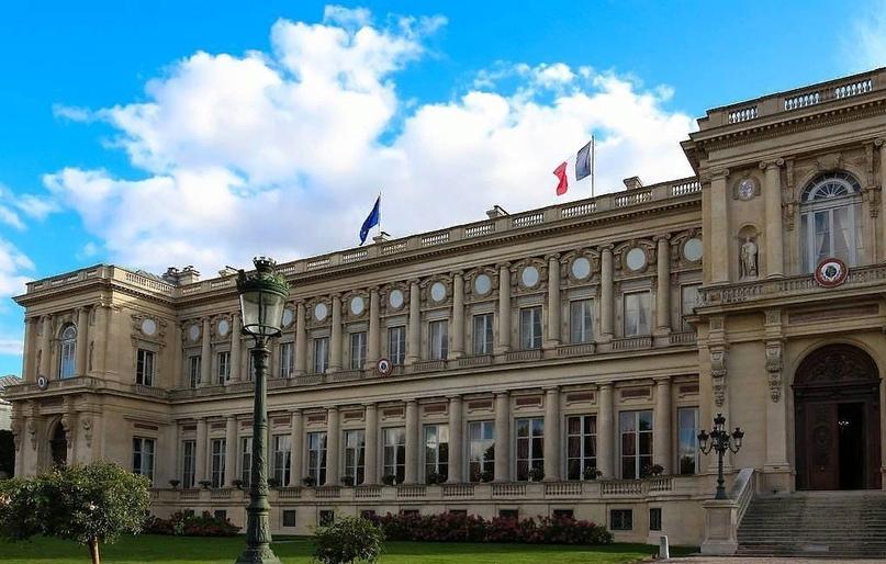 Франция отозвала своих послов из США и Австралии из-за альянса AUKUS