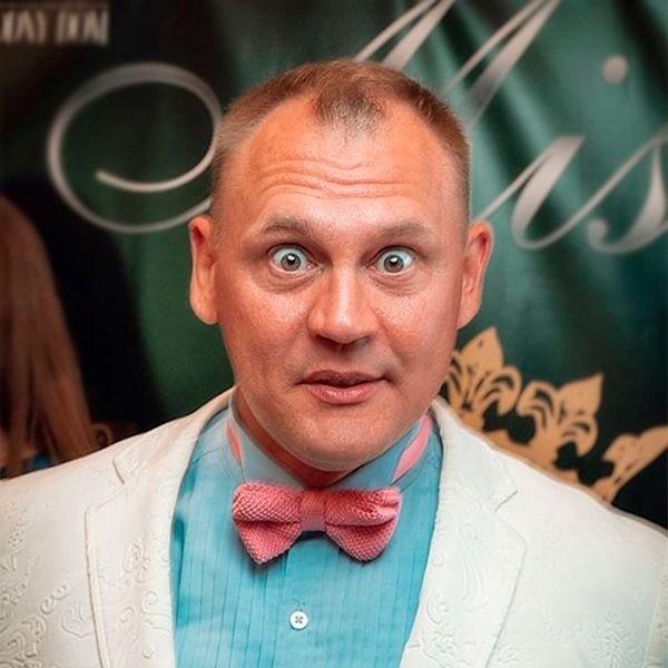 Степан Меньшиков еще поет!