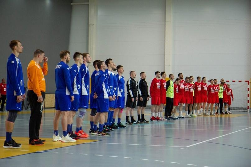 Два школьных зала, два вузовских, два строящихся, два неприкаянных клуба. Где играют в мужской Суперлиге?, изображение №11