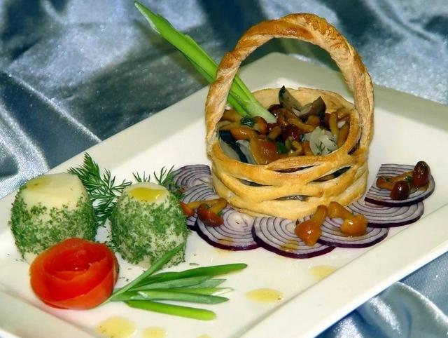 Оригинальные съедобные корзинки для салатов: рецепты и идеи