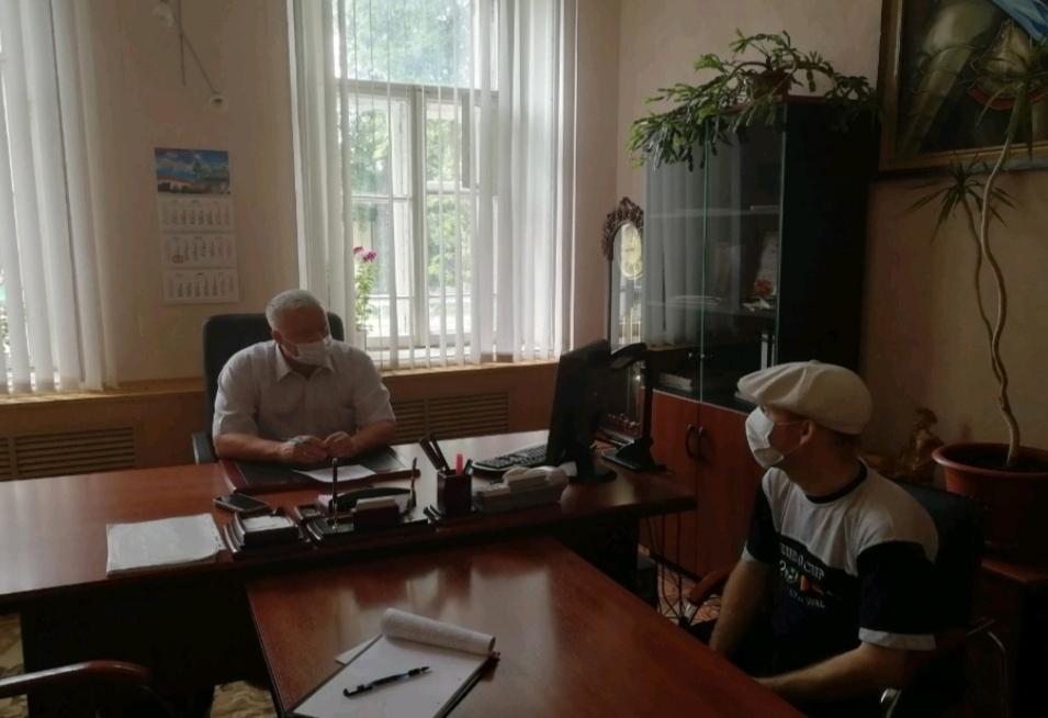 Председатель Петровского районного Собрания Александр Михеев провел приём граждан по личным вопросам