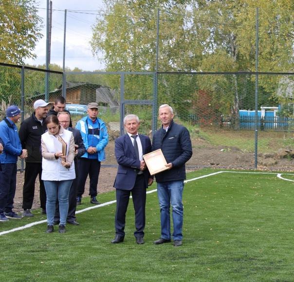 В Пировском муниципальном округе появилось футбольное поле с искусственным покрытием