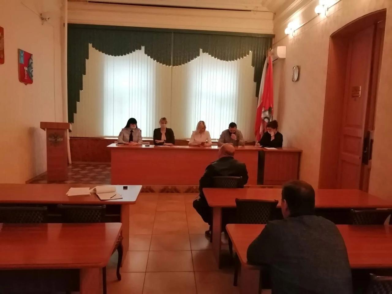 Сегодня под председательством руководителя аппарата администрации района Елены Архиповой состоялось очередное заседание административной комиссии